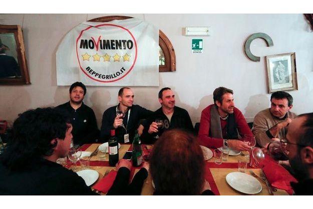 """Le """"Mouvement 5 étoiles"""" avait suivi la soirée électorale... dans une pizzeria de Rome."""