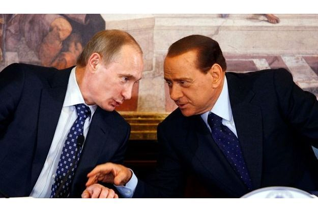 Les relations de Vladimir Poutine et Silvio Berlusconi éveillent la curiosité de la diplomatie américaine.