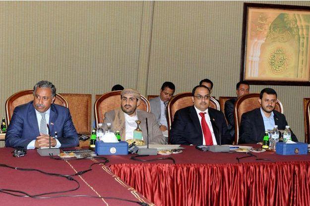 La délégation du gouvernement yéménite aux négociations de paix a quitté lundi le Koweït, se disant prête à revenir si les rebelles acceptent le plan de paix de l'ONU.