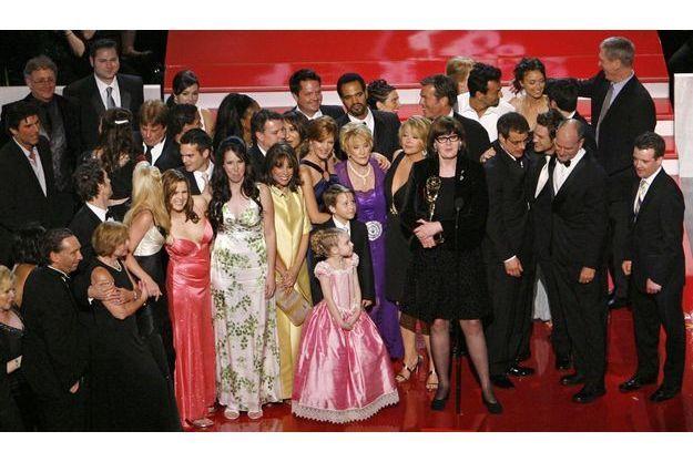 Une partie du casting des Feux de l'amour lors des Emmy Awards 2007.