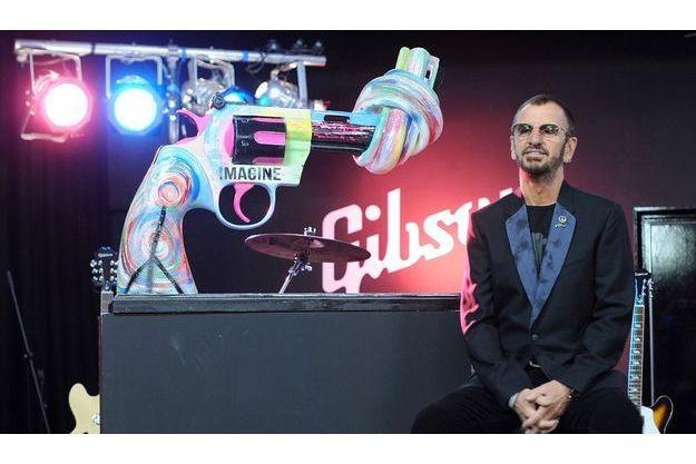 Ringo Starr et son revolver psychédélique.