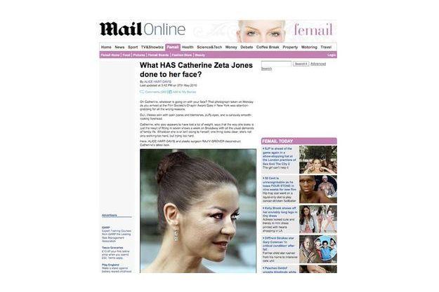 Qu'a fait Catherine-Zeta Jones à son visage ?, se demande le Daily Mail au vu de la dernière photo prise de la star.