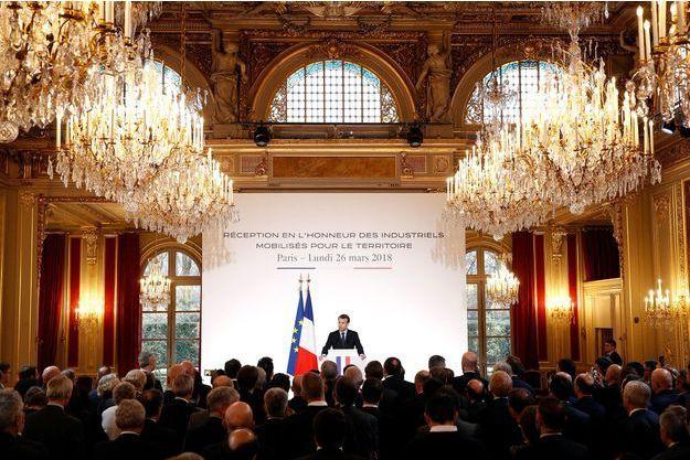 Emmanuel Macron devant des industriels à l'Elysée, lundi, où 150 d'entre eux avaient été conviés.
