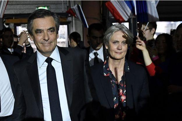 François Fillonet son épouse Penelope, dimanche au meeting de La Villette.