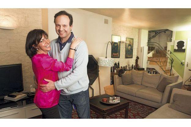 Samedi 9 mars, Anne Hidalgo et Jean-Marc Germain, député des Hauts-de-Seine, chez eux dans le XVe arrondissement. Ils sont ensemble depuis quatorzeans.  C'est Bertrand Delanoë qui les a mariés en 2004.