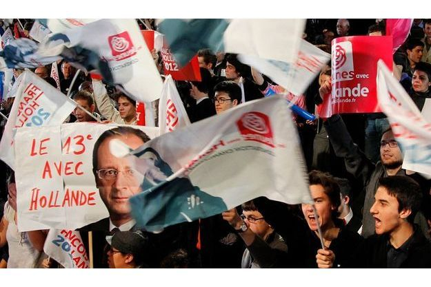 Survoltés, les militants socialistes ont particulièrement acclamé les évocations par le candidat du thème de l'égalité.