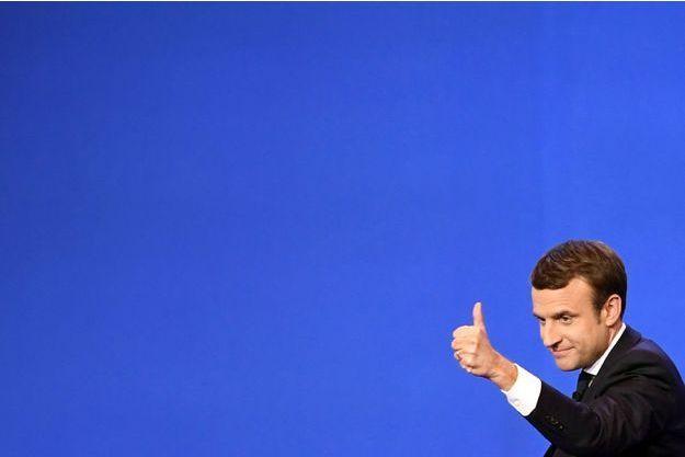 Emmanuel Macron au parc des expositions de Paris, dimanche soir.