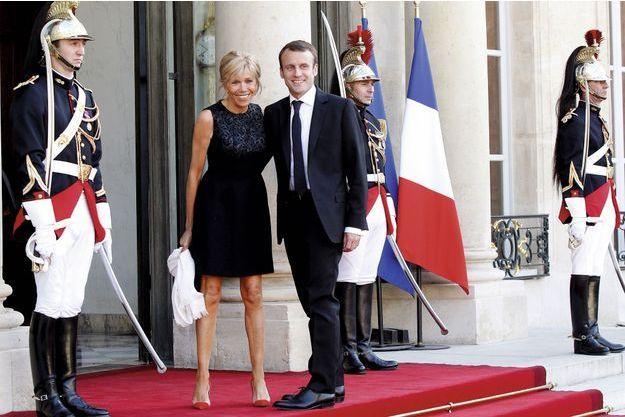 Emmanuel Macron et son épouse.