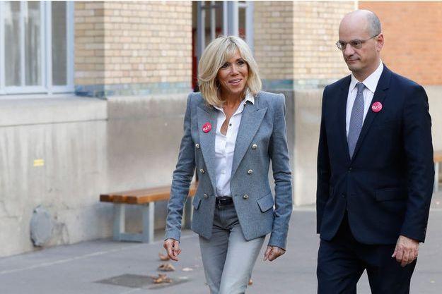 Brigitte Macron et Jean-Michel Blanquer en octobre dans un collège parisien pour le dictée ELA.