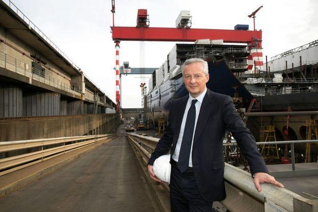 Le ministre de l'Economie et des Finances, le 28 septembre, en visite aux chantiers navals de Saint-Nazaire, qui reprennent leur nom historique de Chantiers de l'Atlantique.