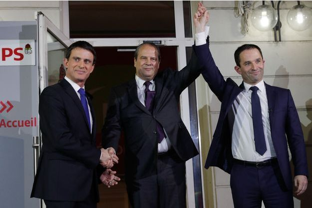 Manuel Valls, Benoît Hamon et Jean-Christophe Cambadélis le soir du deuxième tour de la primaire socialiste.