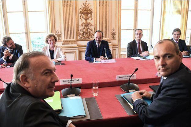 Pierre Gattaz (Medef) et Laurent Berger (CFDT), au premier plan, reçus avec les partenaires sociaux par la ministre du Travail Muriel Pénicaud et le Premier ministre, Edouard Philippe.