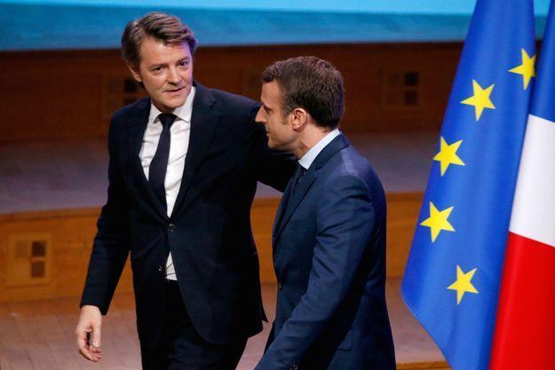 Le chef de l'Etat avec François Baroin, président de l'Association des maires de France.