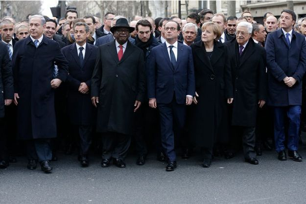 [Jeu] Association d'images - Page 20 Comment-Sarkozy-s-est-invite-sur-la-photo