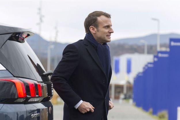 Emmanuel Macron jeudi lors de son déplacement en Auvergne.