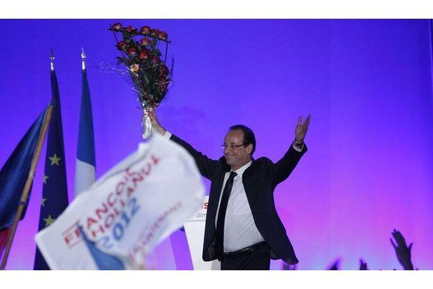 François Hollande après son vote à Tulle, dimanche matin.