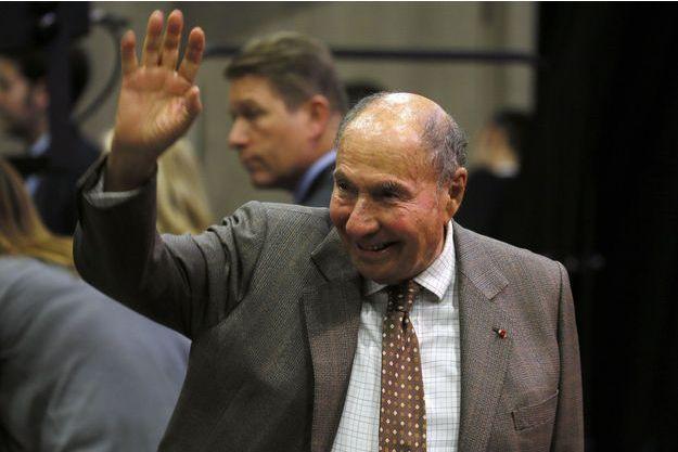 Serge Dassault en campagne dans l'Essonne, dimanche, pour les élections départementales.