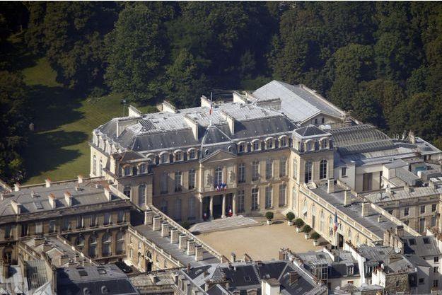 Vue aérienne du palais de l'Elysée. Plus de 800 personnes travaillent pour la présidence de la République.
