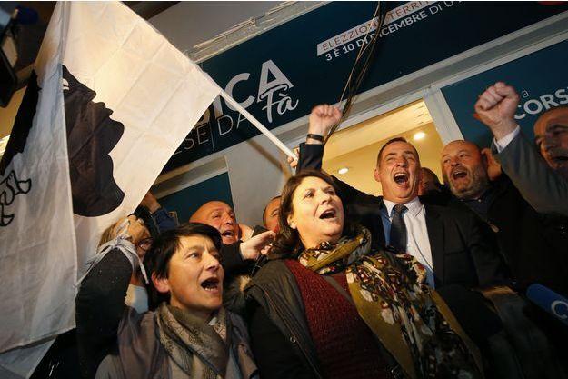 Simeoni et Talamoni sont arrivés largement en tête au premier tour des élections territoriales corses avec 45,36% des voix.