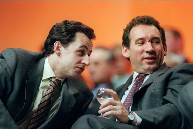 Nicolas Sarkozy et François Bayrou en mars 1995 à Perrigueux, lors d'un meeting de soutien à Edouard Balladur. A l'époque, les deux hommes s'étaient rangés derrière le Premier ministre.