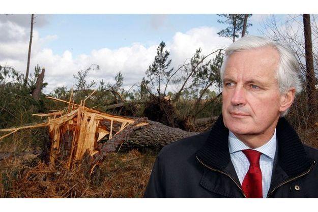 Michel Barnier en visite des Landes après la tempête de janvier qui avait ravgé le Sud-Ouest. La tête de liste UMP dans la région Ile-de-France gagne 5 points dans notre baromètre des personnalités de ce mois-ci.