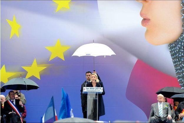 Marine Le Pen lors de son discours du 1er mai à Paris, place de l'Opéra.
