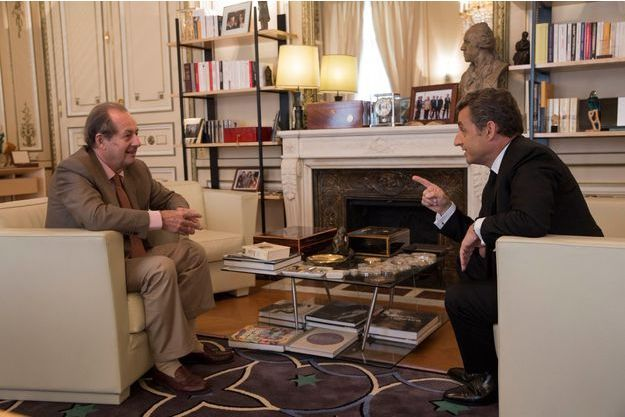 Jeudi 3 juillet, Nicolas Sarkozy accueille Jean-Marie Rouart dans son bureau, rue de Miromesnil.