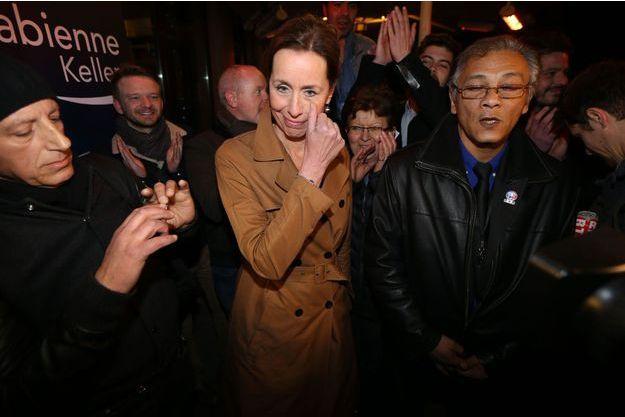 Fabienne Keller, émue, dimanche soir après avoir appris qu'elle devançait son adversaire socialiste.