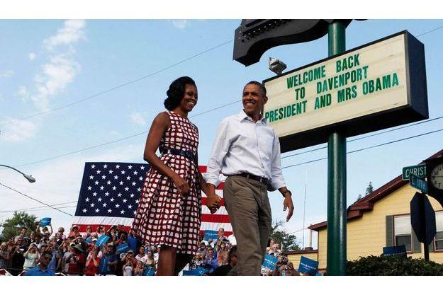 Mercredi 15 août, le couple présidentiel en campagne à Davenport, Iowa. « Je ne suis peut-être pas parfait, a dit Barack Obama. Mais elle est une première dame parfaite. »