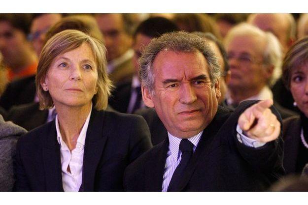 """Marielle De Sarnez et François Bayrou au forume du """"Contrat social"""" le 11 février."""