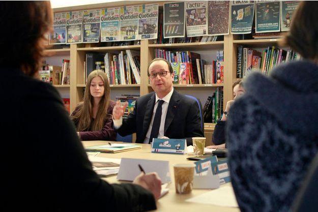 """François Hollande à la rédaction de """"Mon quotidien"""" le 28 janvier."""