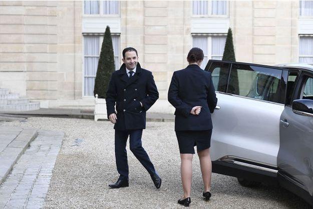 Benoît Hamon arrive à l'Elysée, jeudi matin.
