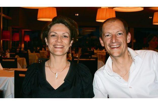 Chantal et Hervé Jouanno dans un restaurant de Port-en-Bessin à l'été 2009.