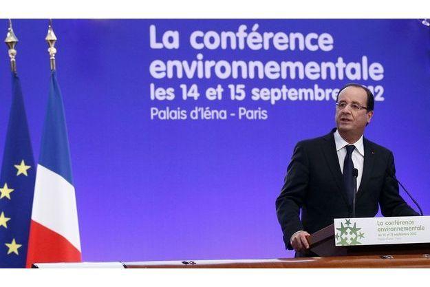 François Hollande prononce son discours d'ouverture de la conférence environnementale, vendredi.