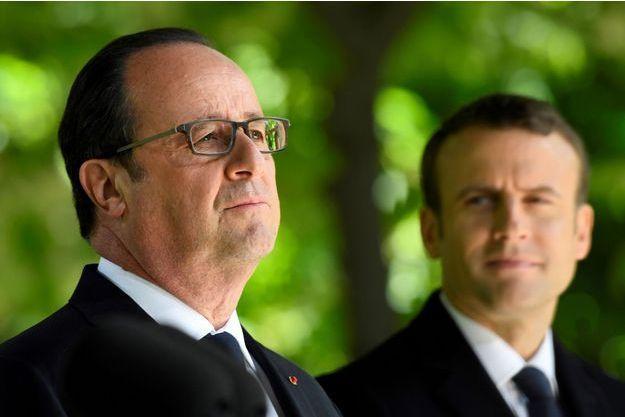 François Hollande et Emmanuel Macron mercredi à Paris.