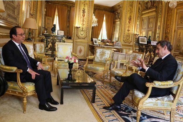 François Hollande reçoit Nicolas Sarkozy à l'Elysée, le 25 juin dernier, après le vote britannique sur le Brexit.