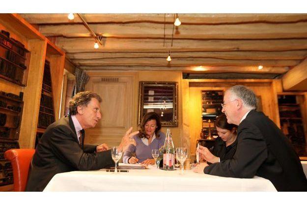 Rencontre dans un lieu de légende. Mercredi 6 mai, vers 19 heures, au Procope, l'un des plus anciens cafés de Paris où se réunissaient les révolutionnaires en 1789, Jack Lang et Jean-Robert Pitte conversent en présence de nos journalistes Valérie Trierweiler et Anne-Sophie Lechevallier.