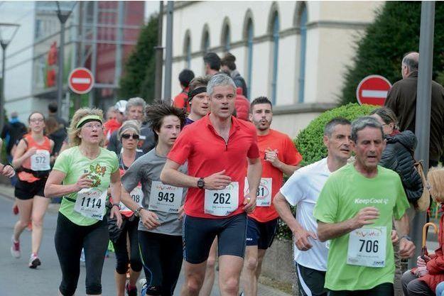 Laurent Wauquiez aux 15 km du Puy-en-Velay le 1er mai.