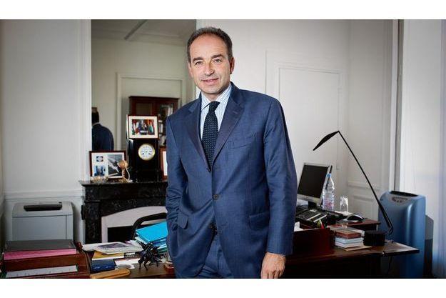 Le président du groupe UMP à l'Assemblée nationale dans son bureau, lundi 18 octobre.