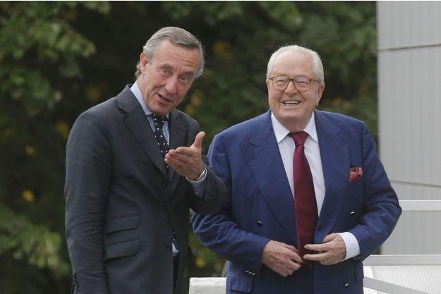 Jean-Marie Le Pen et son avocat, Frédéric Joachim, à Nanterre, jeudi.