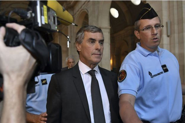 Jérôme Cahuzac à son arrivée au palais de justice de Paris, lundi.