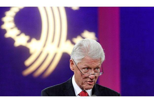 Bill Clinton croit qu'il pourrait légalement se présenter à l'élection présidentielle française.