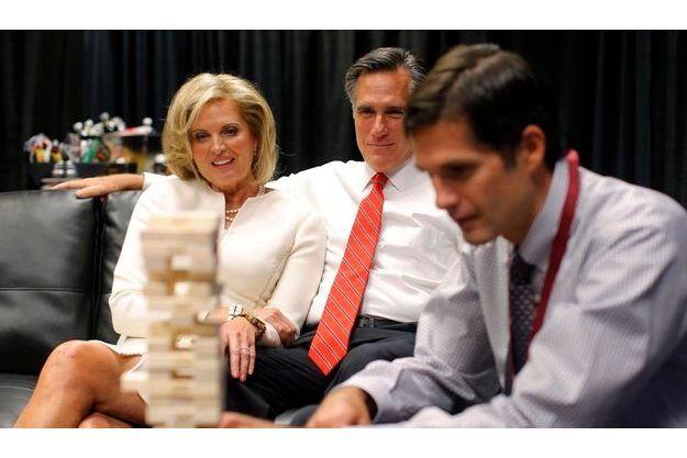 Est-ce ainsi que Mitt Romney a construit sa victoire dans le débat ? Quelques heures avant le début de la confrontation, le candidat jouait à la tour infernale avec son épouse, Ann, et son fils Matt.