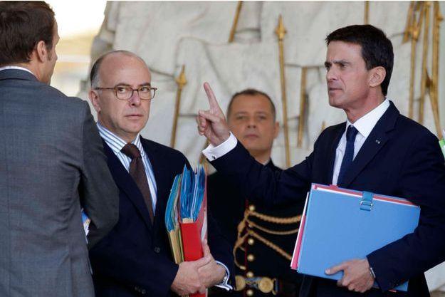 Manuel Valls mercredi matin. Le projet de loi de finances pour 2016 a été présenté lors du conseil des ministres à l'Elysée.