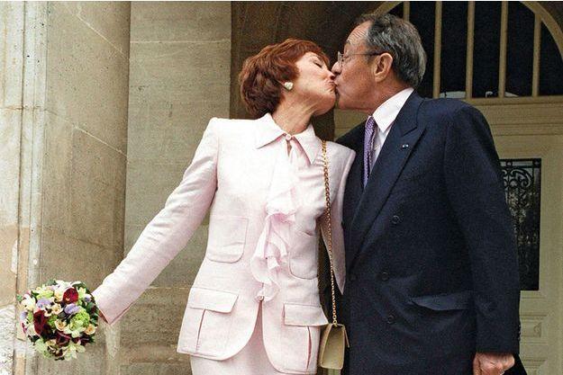 Mariage de Michel Rocard et de Sylvie Pelicier à la Mairie du XIV arrondissement en présence de Lionel Jospin et de son epouse, Sylviane Jospin.