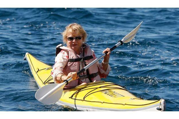 Eva Joly explore en kayak une calanque de Marseille le 9 septembre dernier.