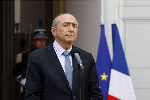 Gérard Collomb lors de la cérémonie de passation de pouvoir, place Beauvau, mercredi.