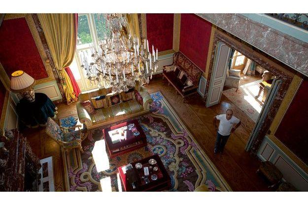 Ziad Takieddine dans son hôtel particulier du XVIe arrondissement de Paris. Son précédent occupant était le président ivoirien Félix Houphouët-Boigny aujourd'hui disparu.