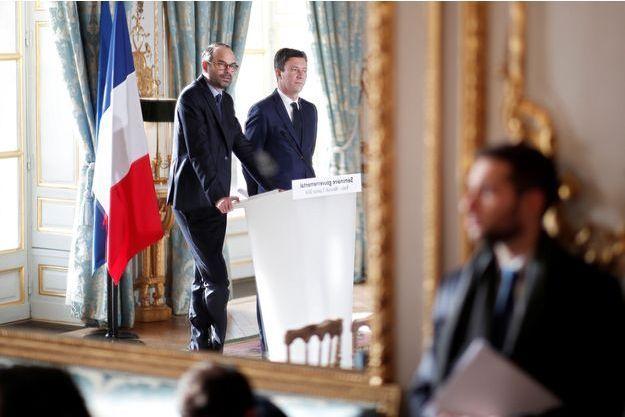 Edouard Philippe et Benjamin Griveaux à l'Elysée après le Conseil des ministres et le séminaire gouvernemental.