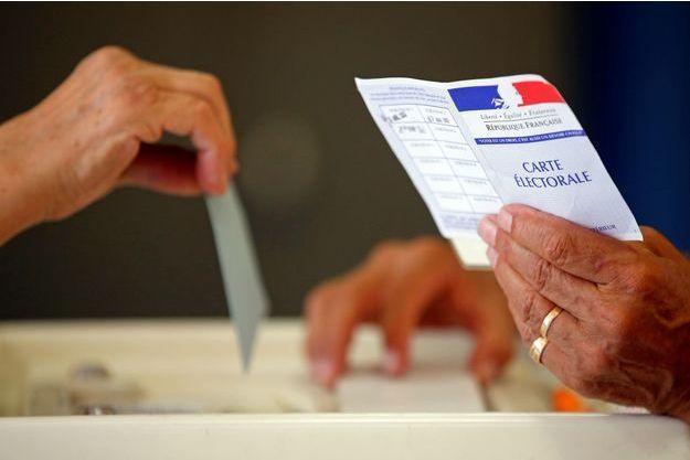 A midi, la participation pour le second tour de la présidentielle était à 17,75%.
